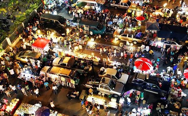 Chợ bán giày dép Thai Lan