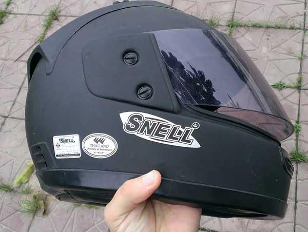 Mũ bảo hiểm Snell